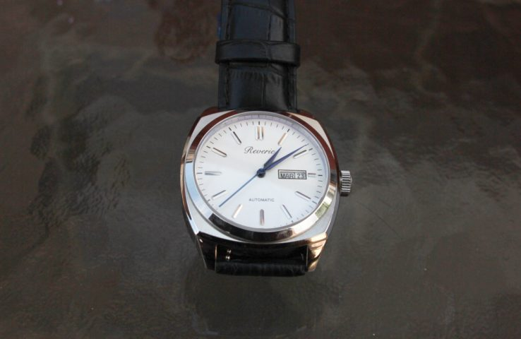 Reverie Classic is a crowdfunded watch with some beautiful bones