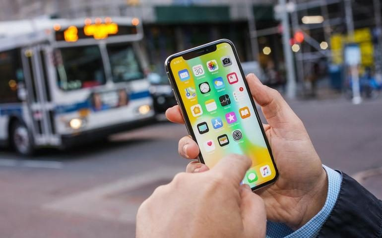 iPhone X incoming-call display delays? Apple looks into reports of issues