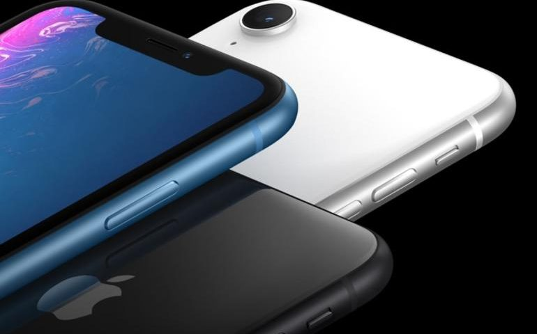 If the iPhone XR is selling so well, why is Apple messing with the price?